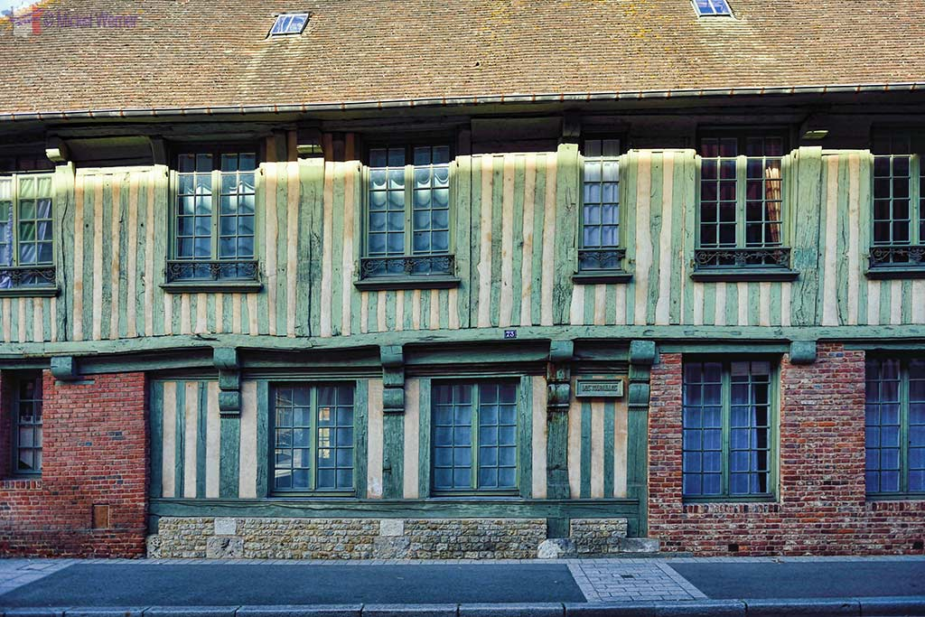 Old Normandy-style house in Pont l'Eveque