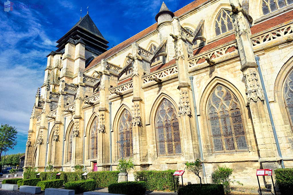 Good side of the Saint-Michel church in Pont l'Eveque, Normandy