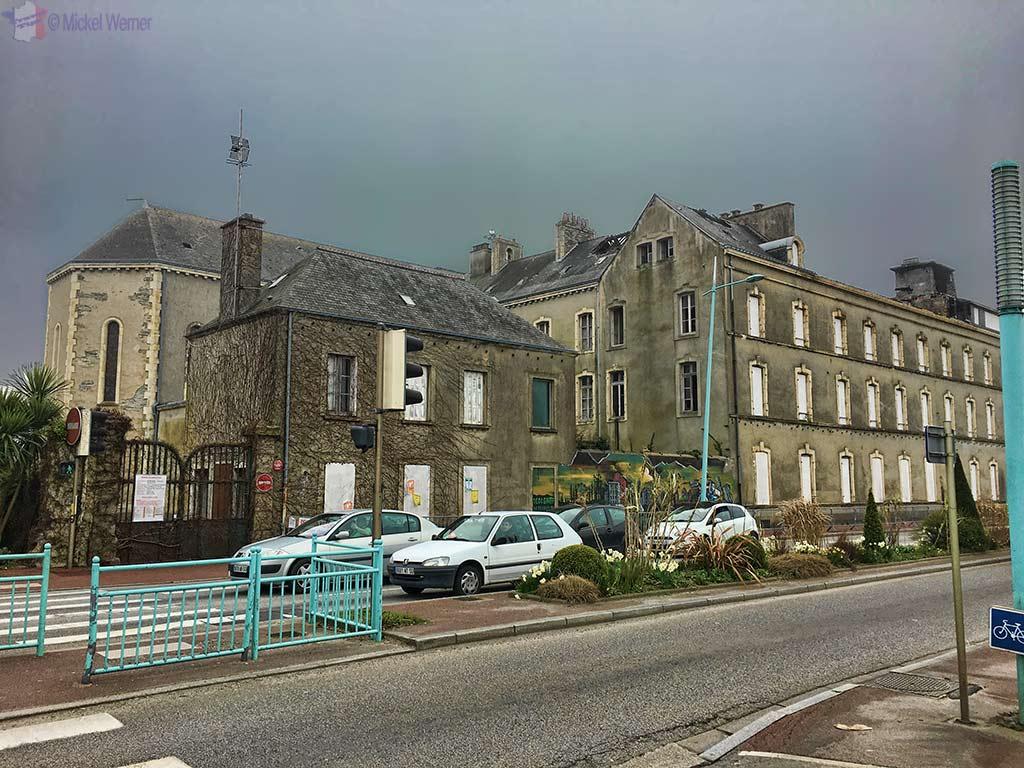 Rundown building in Cherbourg