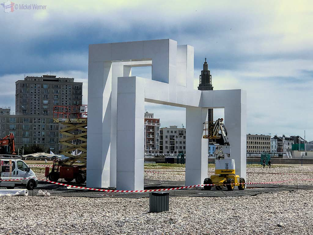 Beach sculpture used for the 3 beach concerts during the 500 years celebration of Le Havre