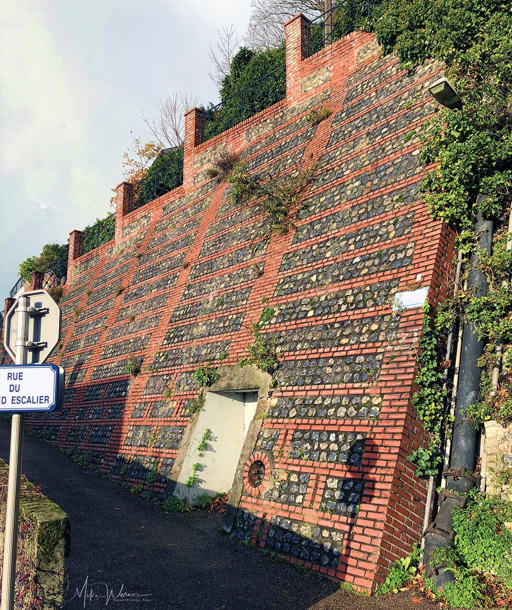"Part of the wall of the ""Rue du Grand Escalier"" in Le Havre, Normandy"