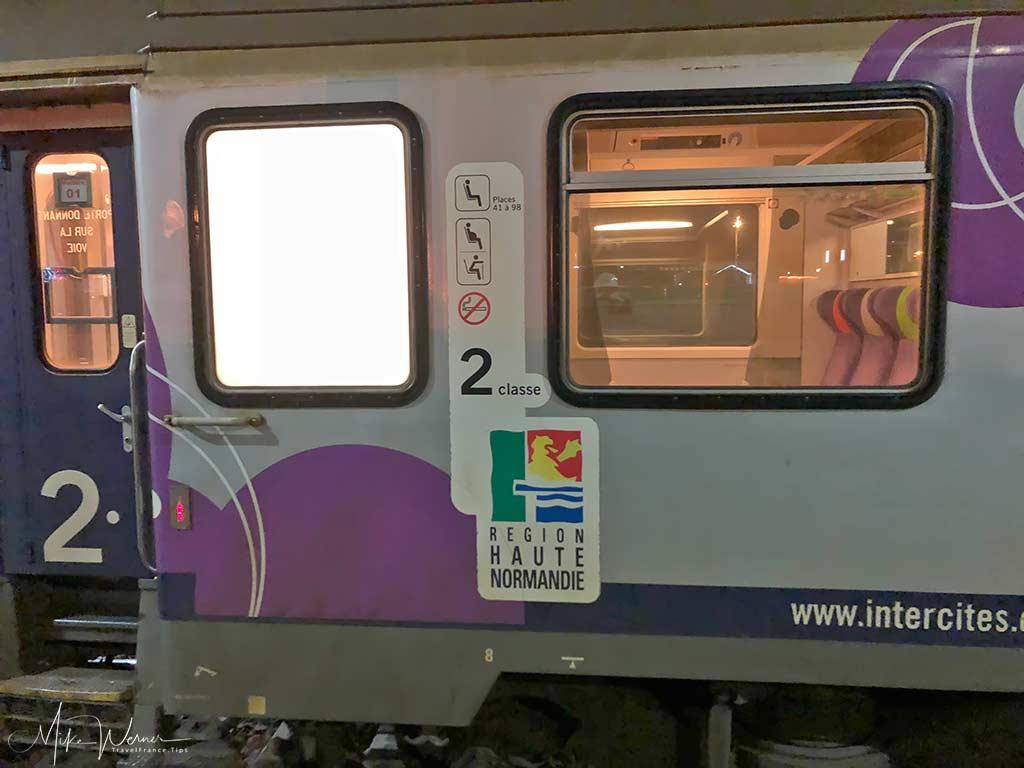 Regional logo on the Intercites train