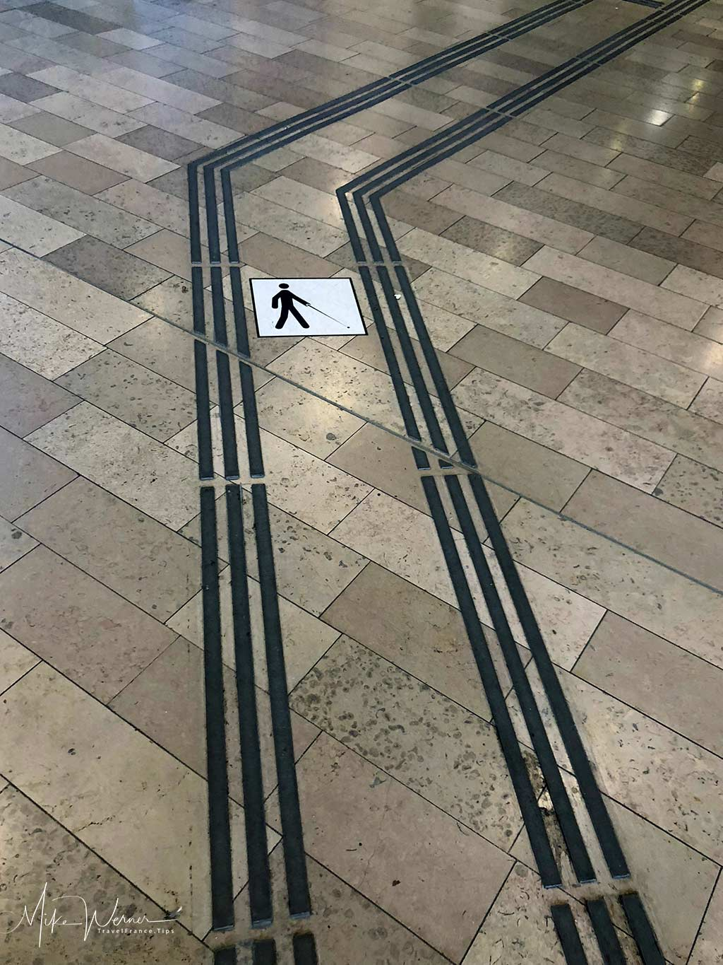 Marking for blind person to help them in and out of the railway station