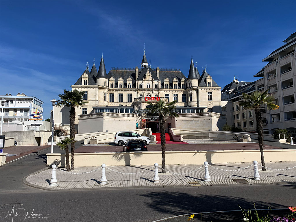 Former Chateau Deganne   (1853) now a Casino next to the Arcachon beach