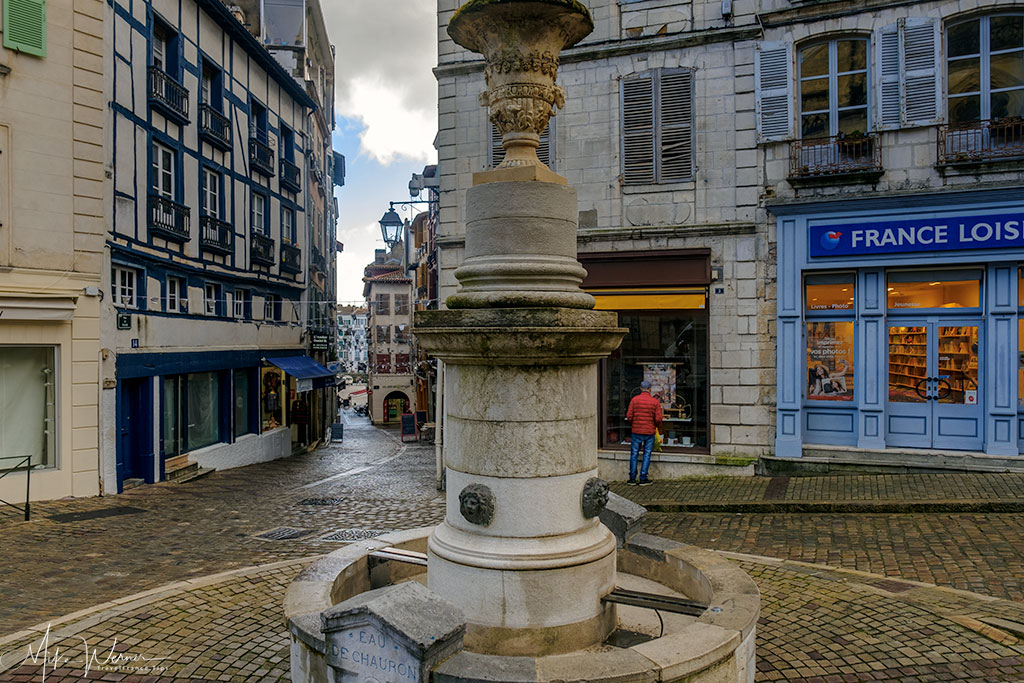 Fountain in front of the Bayonne Cathedral