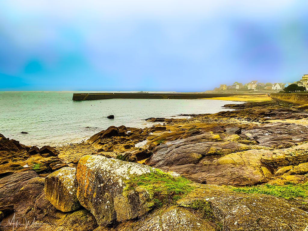 Sandy and rocky beaches in Concarneau