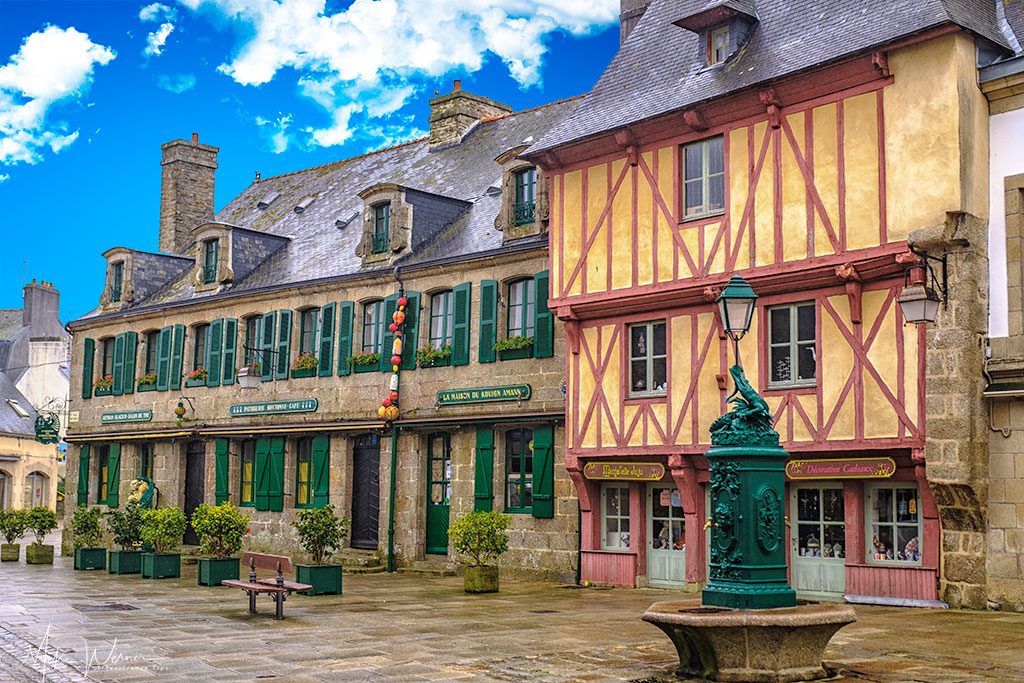 Old houses inside the walled city of Concarneau'