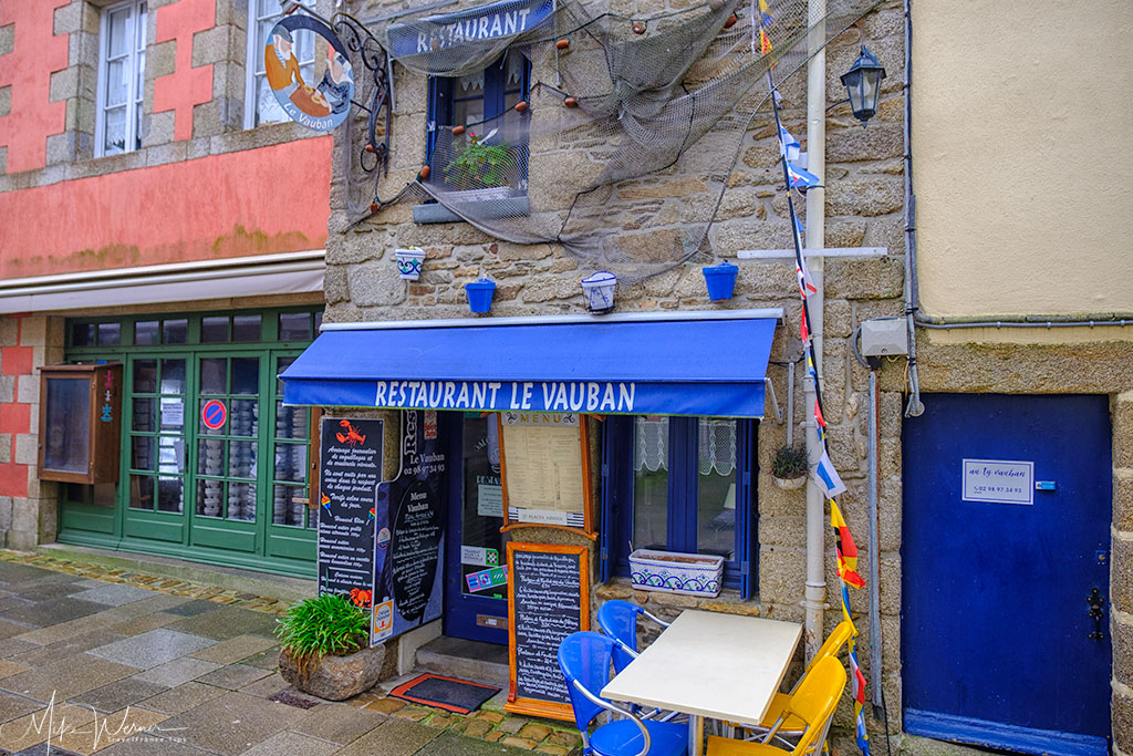 Shops in the old city of Concarneau