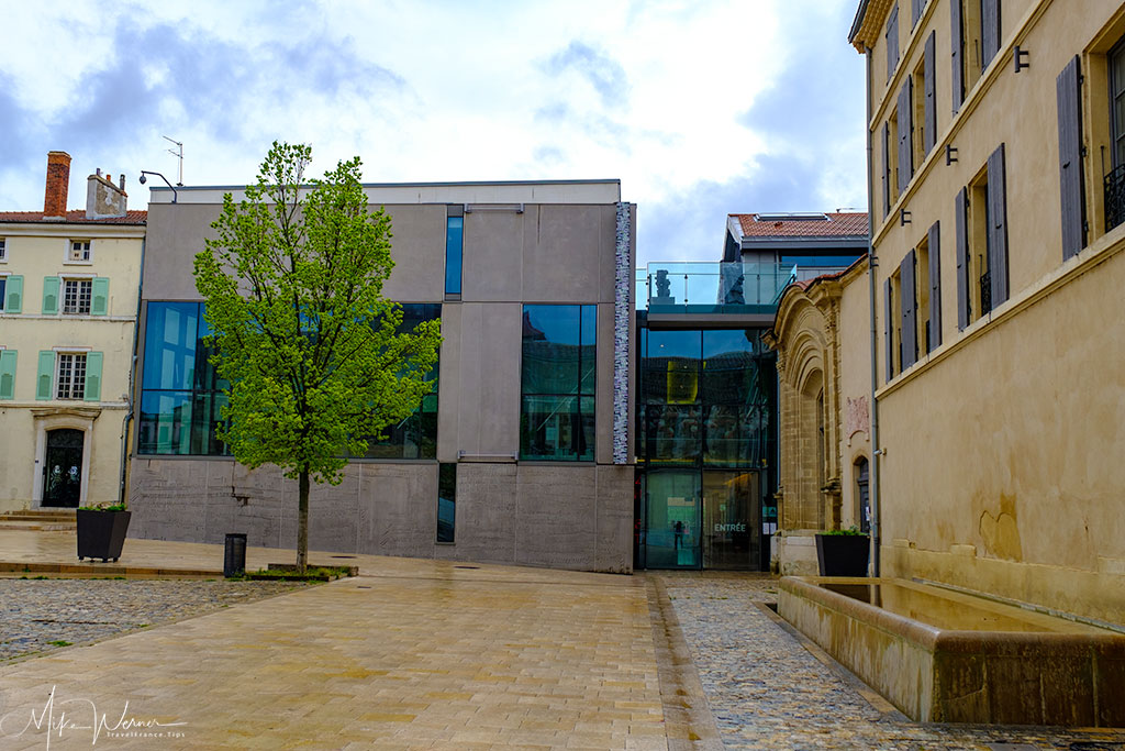 The Valence museum of archaeology and art building'