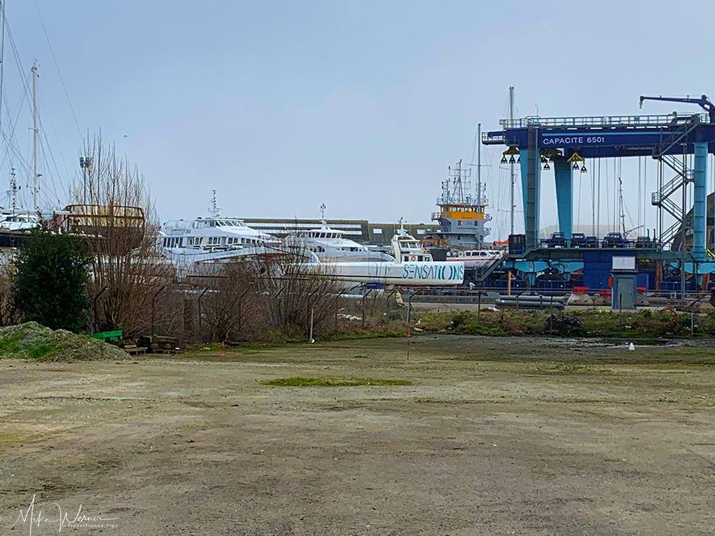 Ship yards