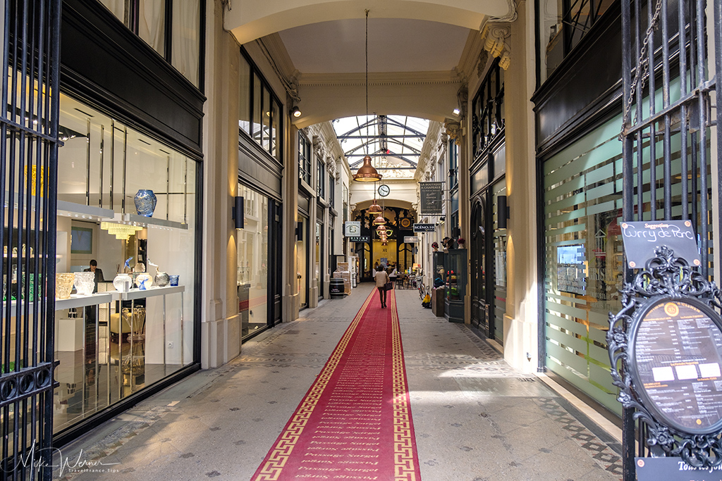 Shopping galerie in one of many buildings inside Bordeaux