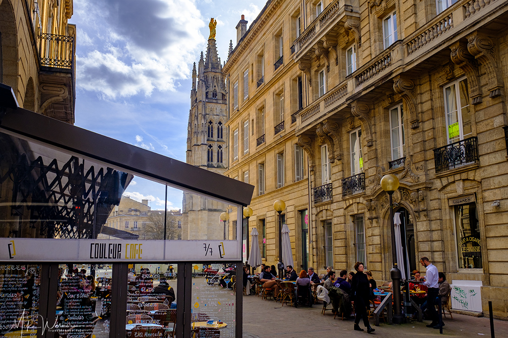Sidewalk cafes and terraces in Bordeaux