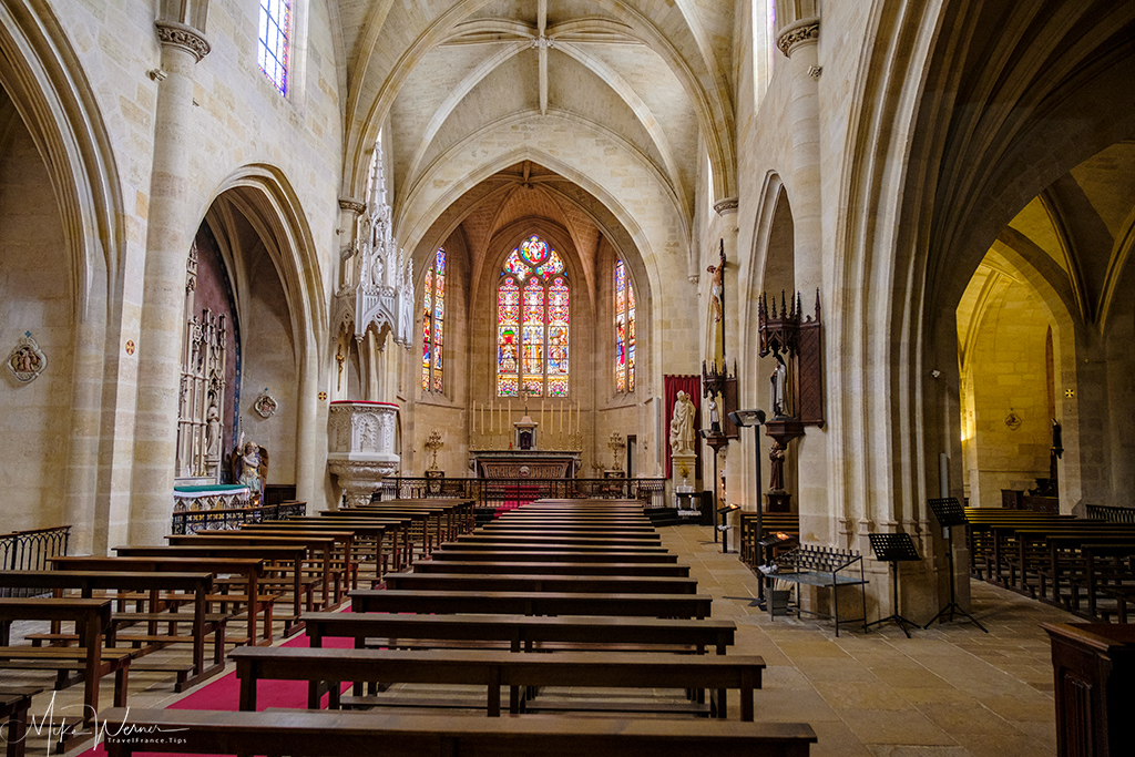 Inside the Saint Eloy (Eloi) church in Bordeaux