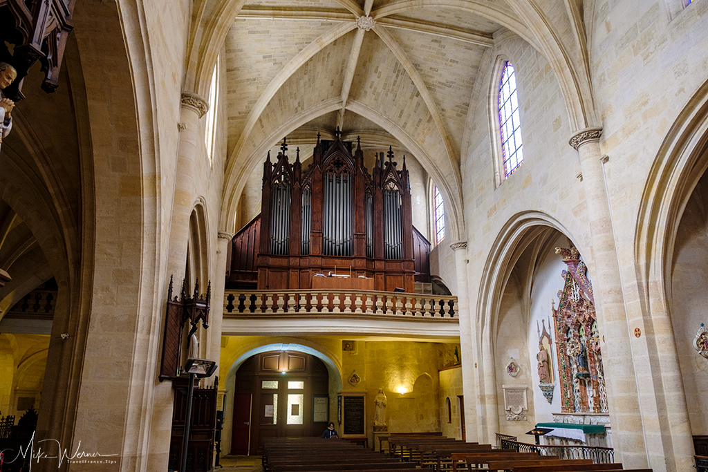 The organ of the Saint Eloy (Eloi) church in Bordeaux