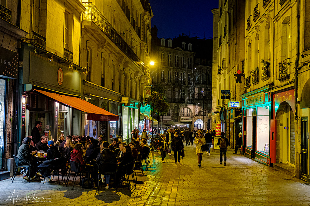 Bars and restaurants in pedestrian streets in Nantes