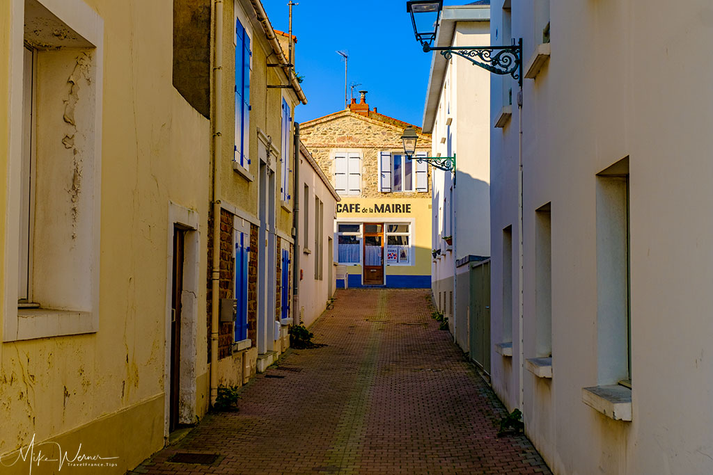 Narrow streets at Les Sables-d'Olonne