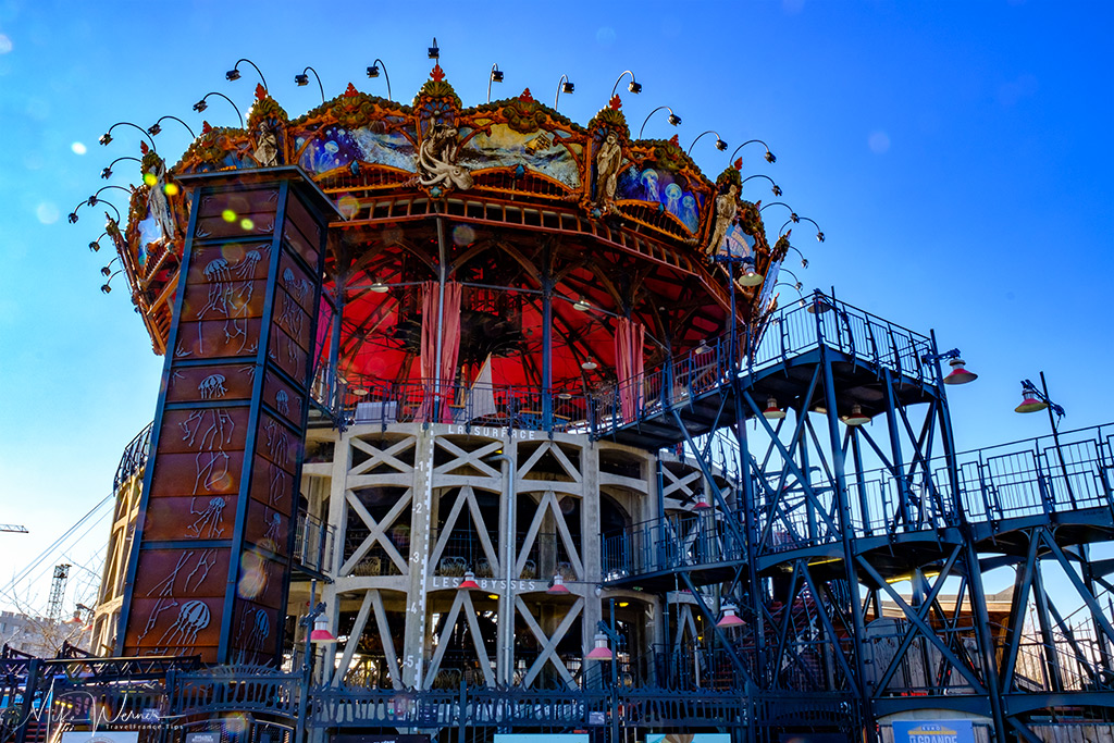 Side view of the Marine Worlds Carousel on the Island of Nantes