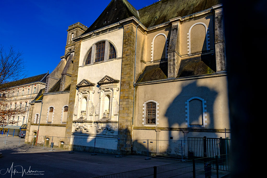 The Saint-Yves chapel of the Jules-Simon school next to the City Hall of Vannes