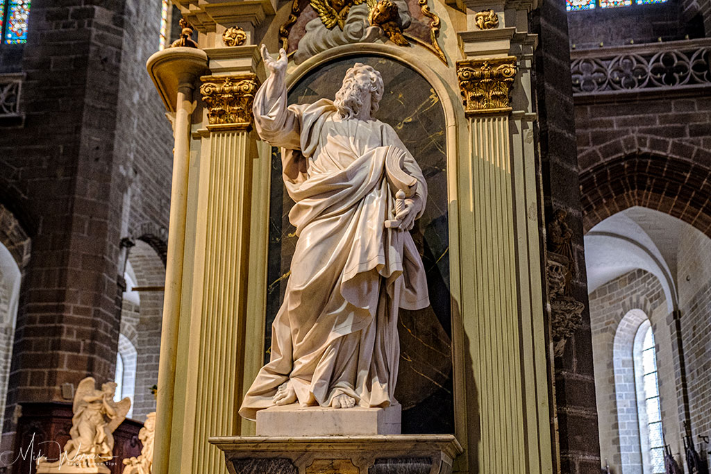 Saint-Paul statue in the Saint-Pierre Cathedral in Vannes, Brittany