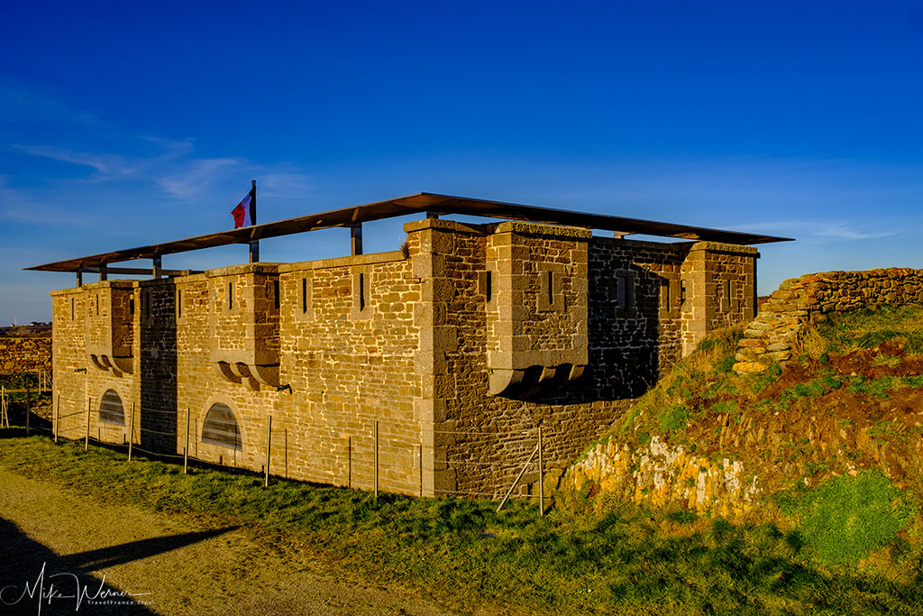 """The """"Memorial aux Marins Morts pour la France"""" (Memorial for the sailors who died for France) building at Pointe Saint-Mathieu, Brittany"""