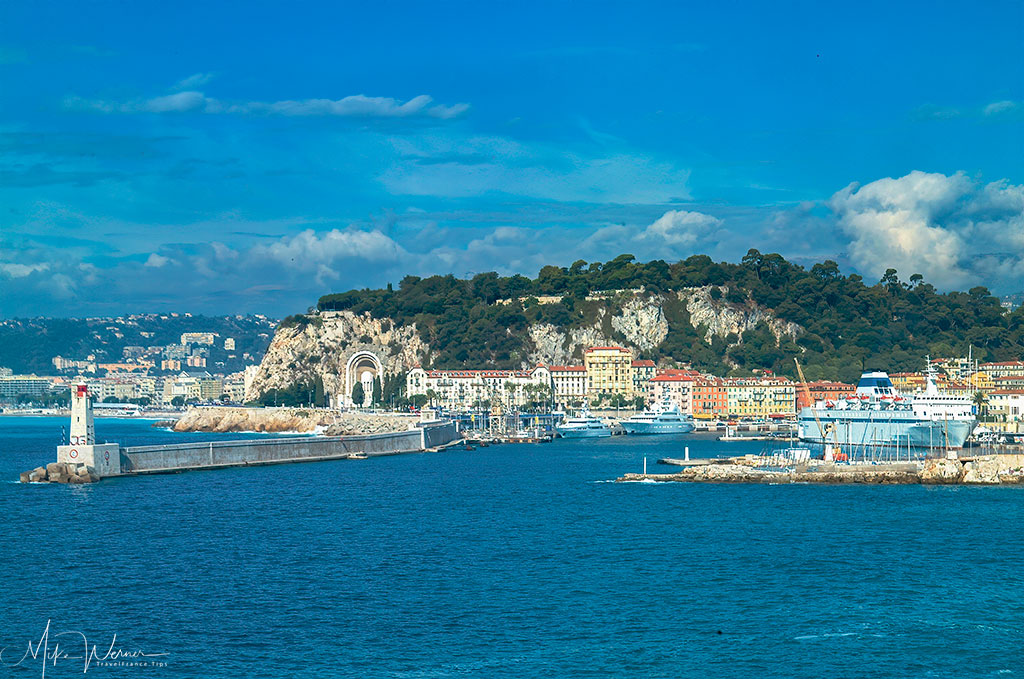 The lighthouse of the harbour of Nice