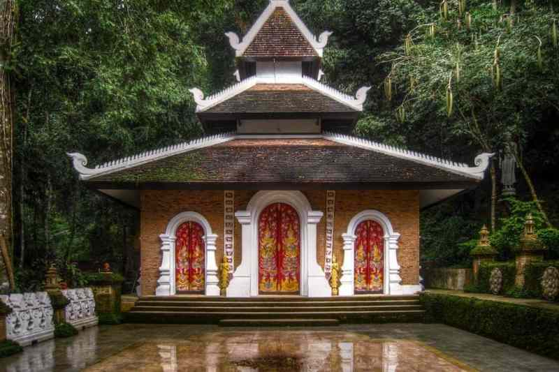 Wat Pha Lat is a secret jungle temple hidden in Chiang Mai