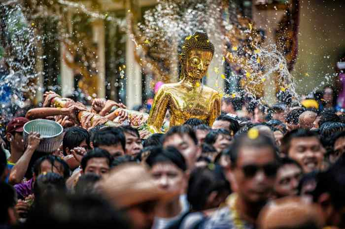 Travel to Thailand in April and celebrate the wettest New Year on earth: Songkran!