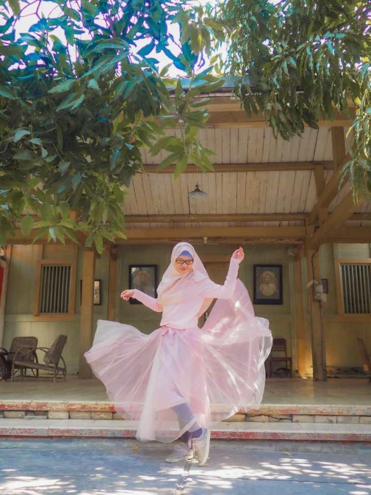 fashion hijab saat traveling