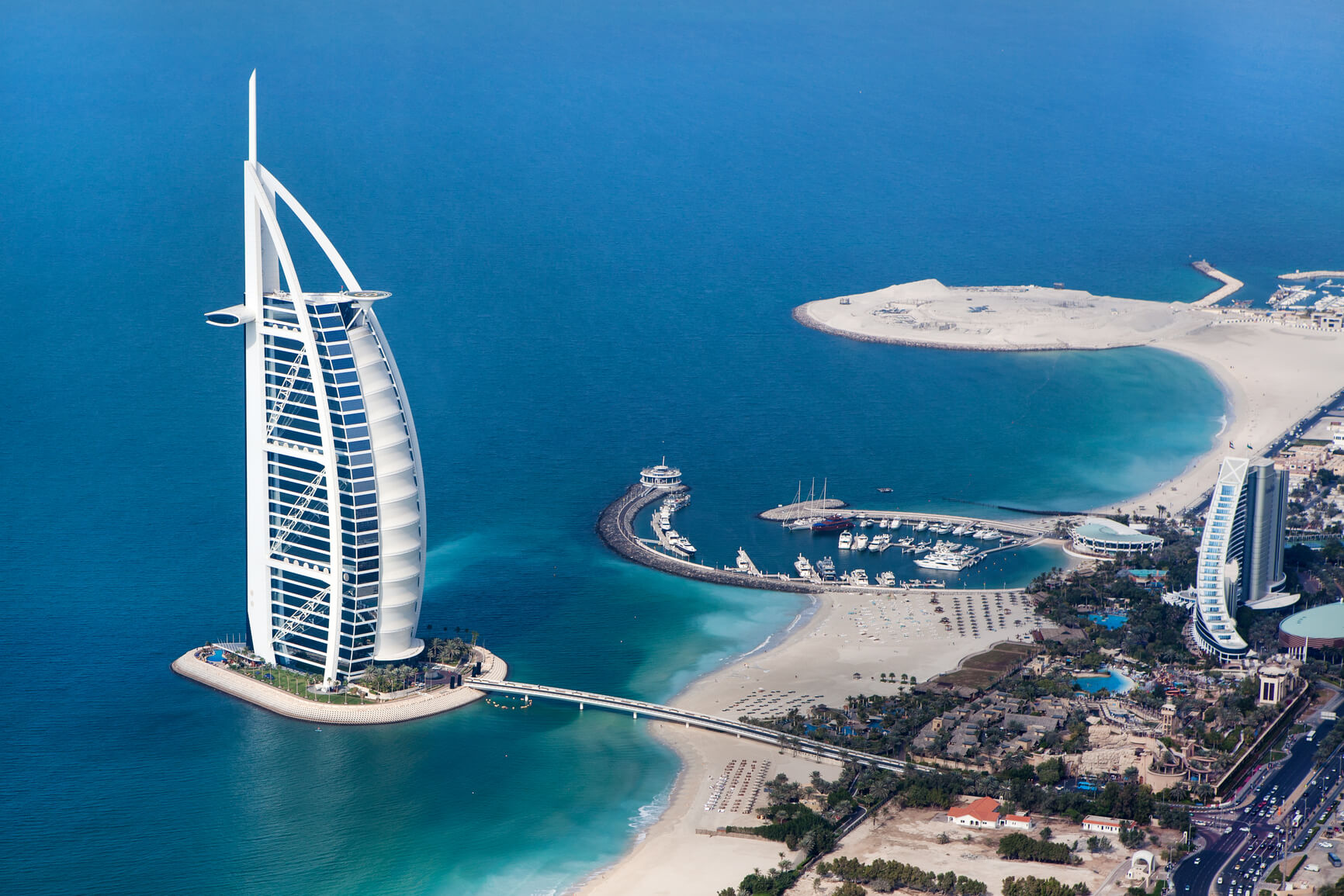 Dubai Hotels Review