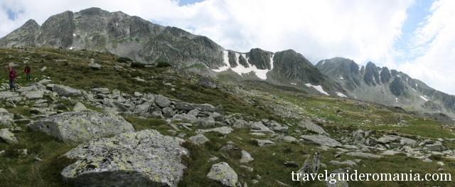Retezat ridge seen from Bad Valley