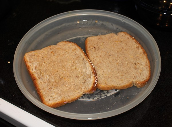 Wet whole-grain bread goes into the puree