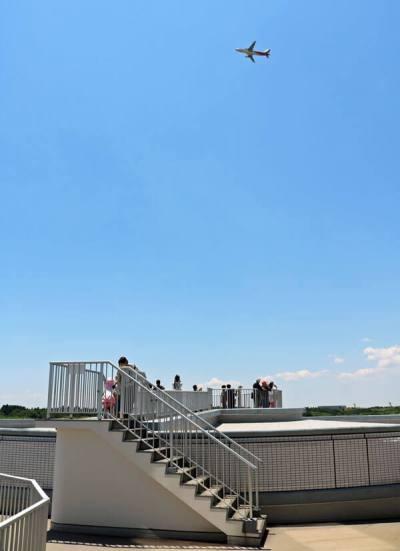 航空博物館3階の屋外展望台より