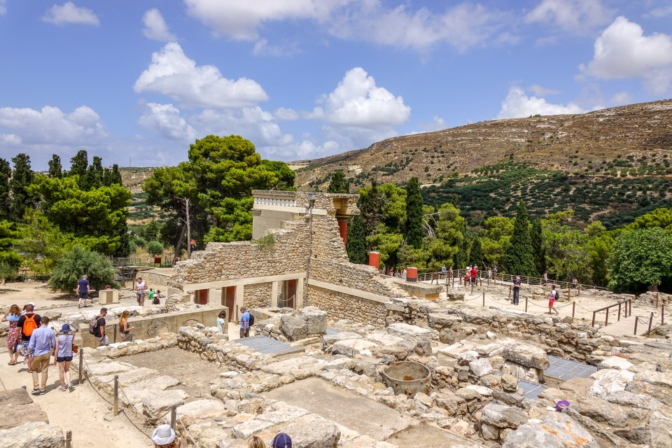 Best Time to Visit Knossos