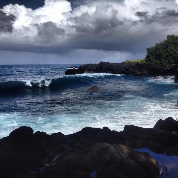 Waves Rollin' In