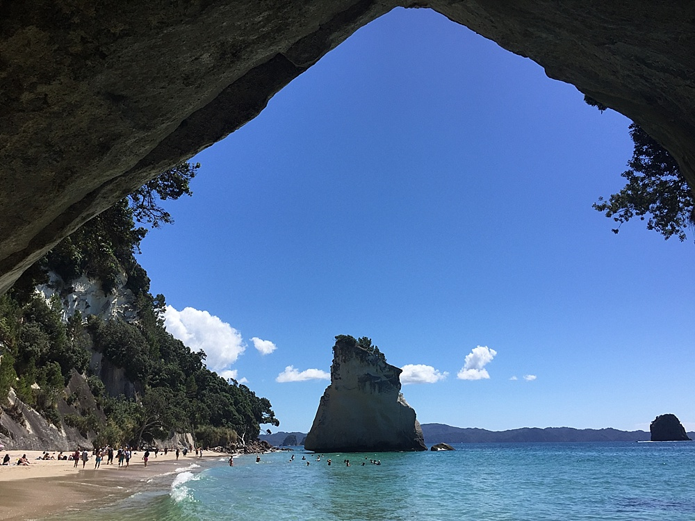 cathedral cove hahei beach