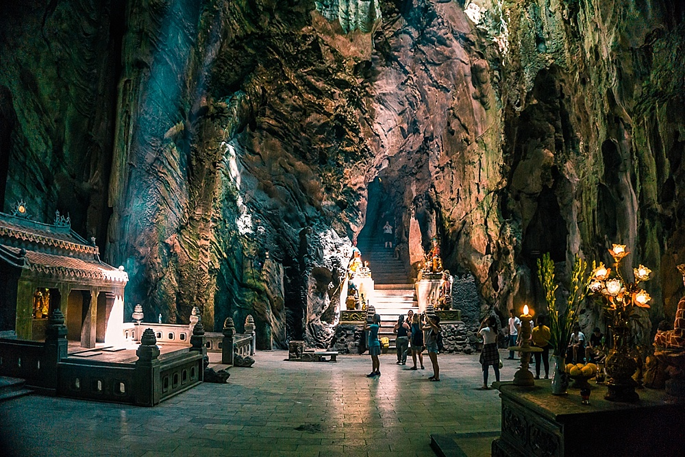coolest caves in da nang vietnam