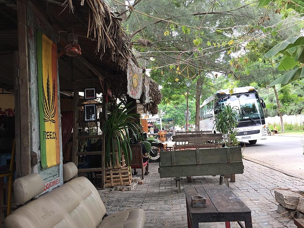 da nang vietnam coolest dive bars
