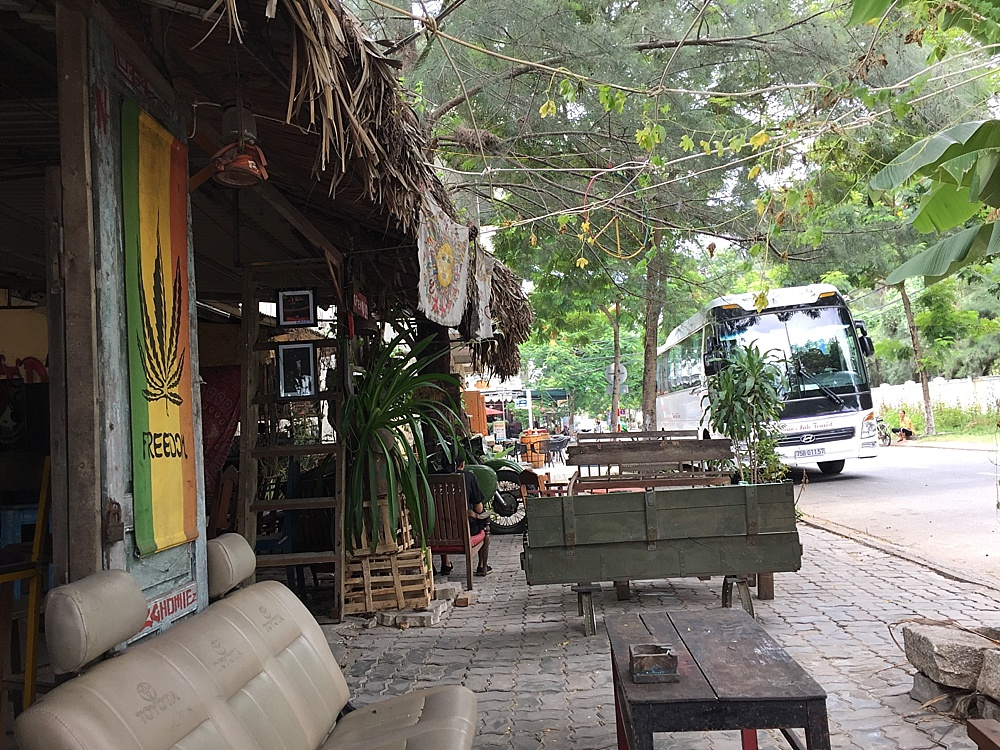 da nang vietnam coolest dive bars