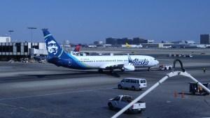 AlaskaAir-737-900ER