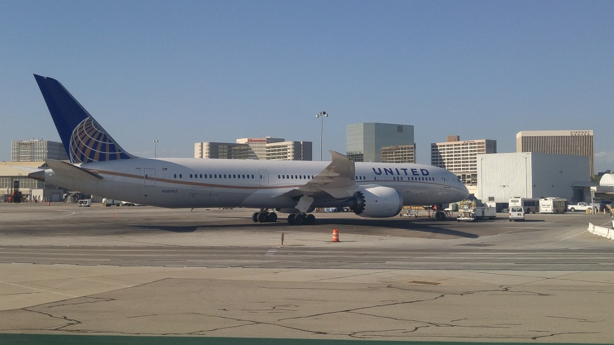 More Plane-watching at LAX