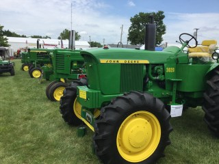Deere, here, Deere there Deere Everywhere! - Land of Lincoln Expo Wrap