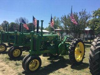 The National John Deere Model G Reunion a tractor meet and greet
