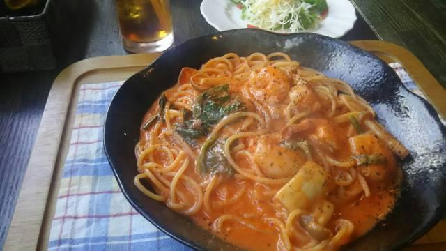ふらのスパゲッティ、海老のトマトクリームパスタ