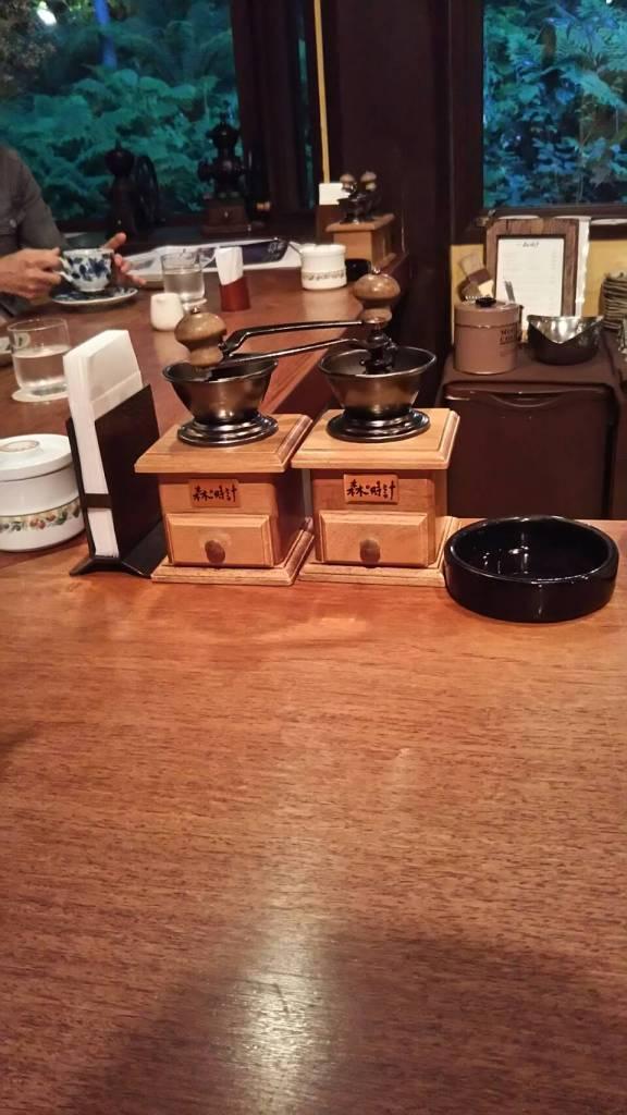 富良野にあるカフェ、森の時計のカウンター席