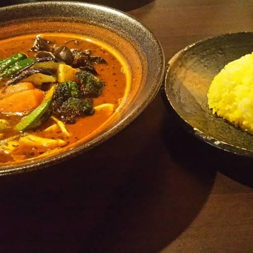 カレーのふらのやでランチ!富良野の美味しい野菜たっぷりスープカレー