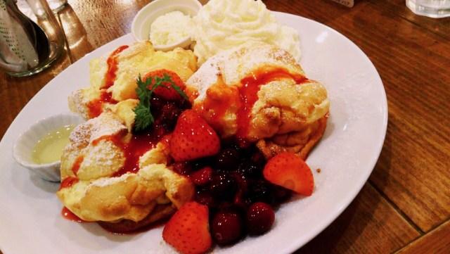 カフェフラミンゴのふわふわベリーパンケーキ