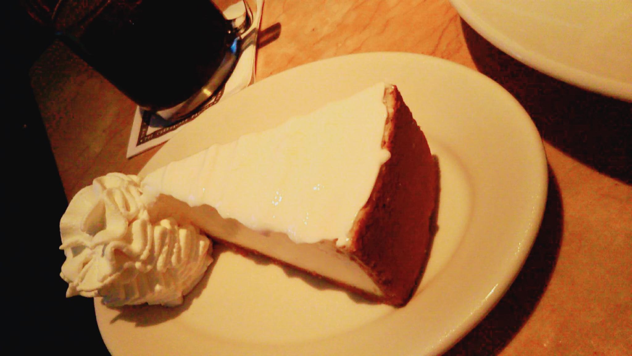 ハワイのチーズケーキファクトリーに1人で参戦!美味しい超高カロリーメニュー