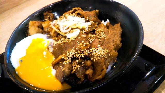 肉のヤマキ商店「味噌だれカルビ焼肉丼」