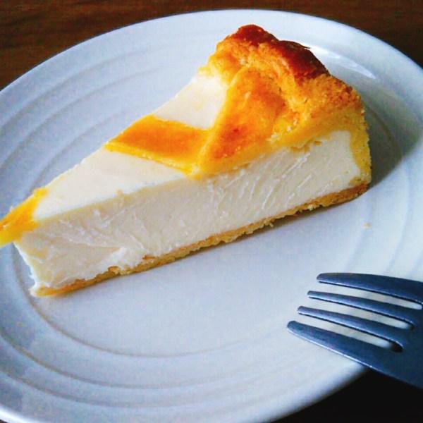 トロイカの絶品チーズケーキ!リピート間違いなしのひんやり滑らか食感