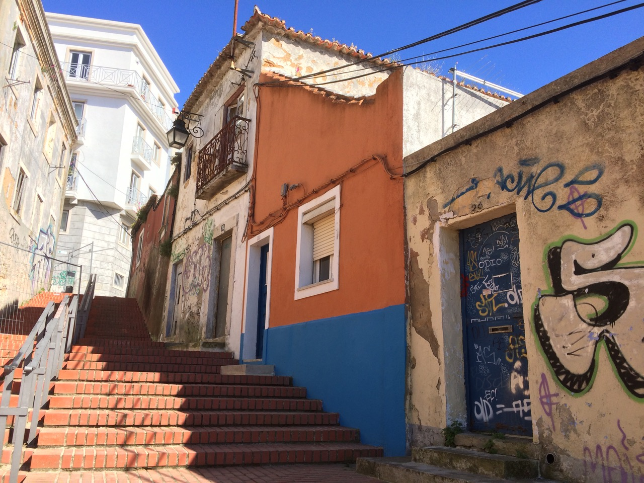 photo essay unseen cacilhas traveling bytes this is my favorite shot from our cacilhas walkabout it captured the essence of this town colorful and polished rundown and forgotten past and present